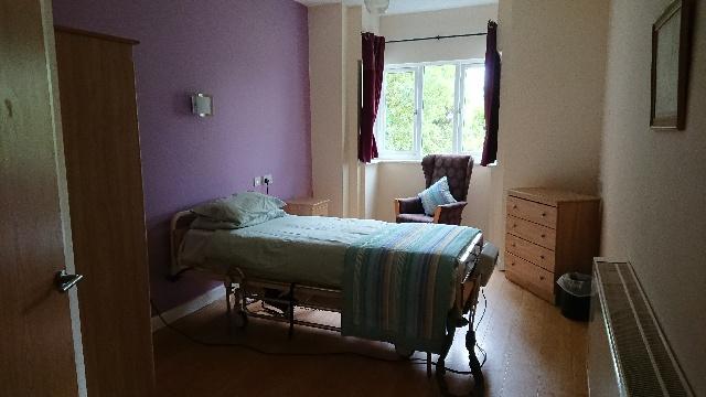 Woodford House - Purple Room