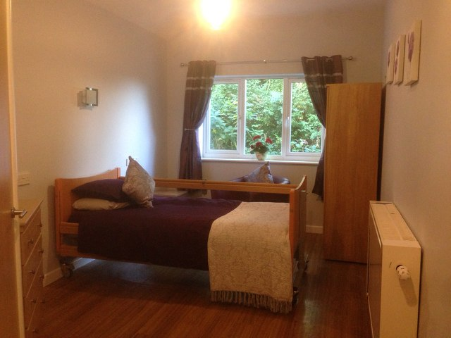 Woodford House - Beige Room